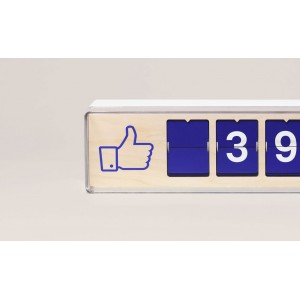 Real Time Facebook Like Counter von Smiirl