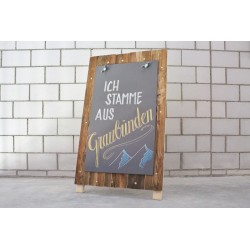 Premium Werbeaufsteller aus Maiensäss-Holz und HPL-Kreidetafel, A1-Format