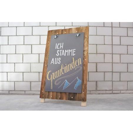 Premium Werbeaufsteller aus Maiensäss-Holz, HPL-Kreidetafel und Gutschein für Tafelmalerei