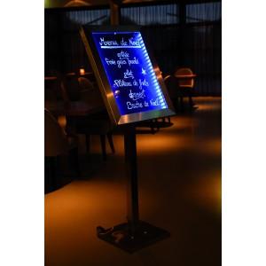 LED Schaukasten Edelstahl, 69x52x5cm, mehrfarbig beleuchtet, 4xA4-Menüständer